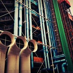 Photo taken at Centre Pompidou – Musée National d'Art Moderne by Nathalie on 11/20/2012