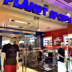 Photo taken at Planet Sports by Choi L. on 1/19/2014