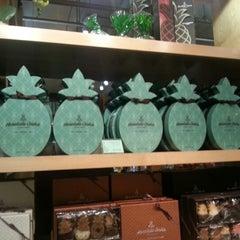 Photo taken at Honolulu Coffee Company by Lisa S. on 12/29/2012