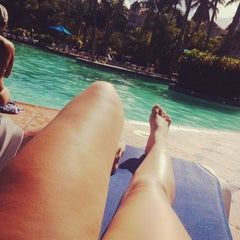 Photo taken at Barcelo Premium Pool by Mayana G. on 11/30/2013