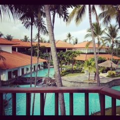 Photo taken at The Laguna, a Luxury Collection Resort & Spa, Nusa Dua, Bali by Monica S. on 11/30/2012