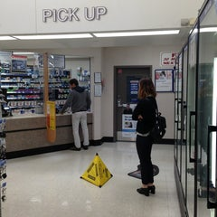 Photo taken at Walgreens by Roby S. on 7/5/2013