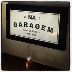 Foto tirada no(a) Na Garagem por Alexandre g. em 9/11/2013