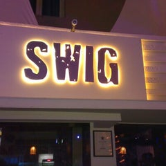 Photo taken at Swig Bar & Eatery by rajesh on 11/25/2012