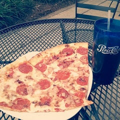 Photo taken at Slice of NY Pizza by Aaron H. on 8/8/2014