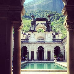 Photo taken at Parque Lage by Ale R. on 3/5/2013