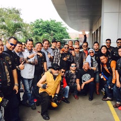 Photo taken at Mabua Harley-Davidson by Rinsil B. on 9/22/2015