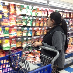 Photo taken at United Supermarkets by Gaby on 12/13/2012