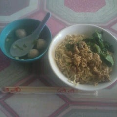 Photo taken at Mie Jakarta by Syelly T. on 10/3/2012