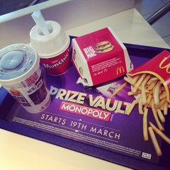 Photo taken at McDonald's by Hugues G. on 3/8/2014