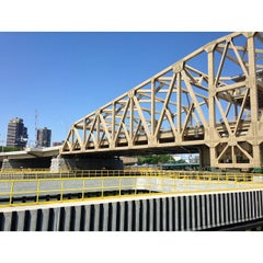 Photo taken at Willis Avenue Bridge by あじあん on 6/19/2013