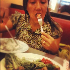 Photo taken at Pizza Hut by Nicolete P. on 12/15/2012