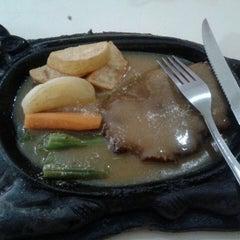 Photo taken at Waroeng Steak & Shake by tensi glasi p. on 2/13/2014