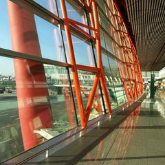Photo taken at Beijing Capital Int'l Airport 北京首都国际机场 (PEK) by Harg S. on 11/14/2012