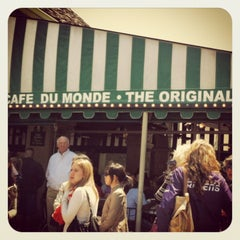 Photo taken at Café du Monde by Anika on 4/21/2013