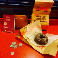 Photo taken at Dunkin' Donuts by Lisa F. on 10/18/2014