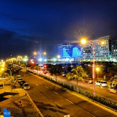 Photo taken at SM Mall of Asia by Yung Kao L. on 7/16/2013