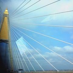 Photo taken at สะพานพระราม 3 (Rama III Bridge) by Tomtam T. on 4/6/2015