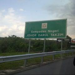 Photo taken at Melaka-Johor Border by Zaidatul A. on 3/9/2013