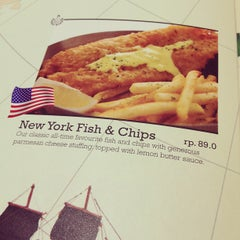 Photo taken at Fish & Co.™ by Ayu G. on 12/23/2012