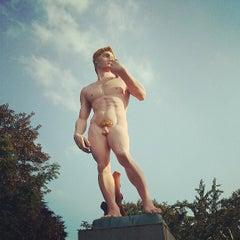 Das Foto wurde bei Lehmbruck Museum von Ivy I. am 6/8/2013 aufgenommen