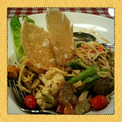 Photo taken at Organic Express - Meat Free Dining Experience - TCH by Purple T. on 9/20/2012