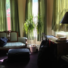 Photo taken at The Queen Anne Bed & Breakfast by Euge on 8/3/2013