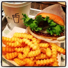 Photo taken at Shake Shack by Lisa G. on 3/22/2013