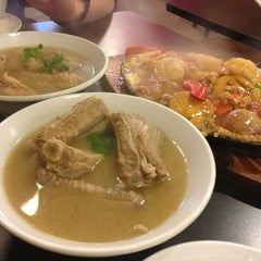Photo taken at Xin Mei Le Bak Kut Teh by Ira on 3/11/2014