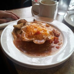 Photo taken at Gallop Cafe by Veronica G. on 10/20/2012