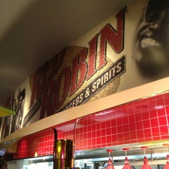 Photo taken at Red Robin Gourmet Burgers by Rod on 3/29/2013