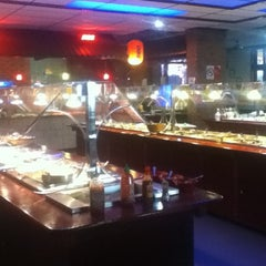 Photo taken at Golden China Super Buffet by Magali S. on 10/26/2012