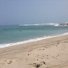 Photo taken at Playa Señoritas by Fred H. on 5/26/2013