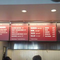 Photo taken at Chipotle Mexican Grill by Felipe T. on 5/10/2013