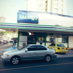 Photo taken at Farmacias Metro by Ilka P. on 1/8/2015