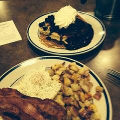 Photo taken at Bob Evans Restaurant by Pete B on 9/2/2014