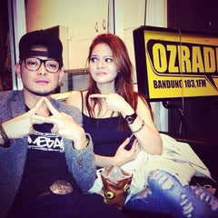 Photo taken at 103.1 FM - OZ Radio Bandung by Khairil A. on 11/1/2013