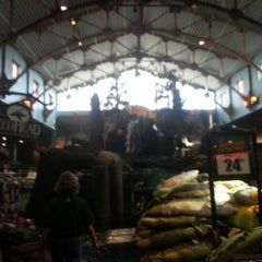 Photo taken at Bass Pro Shops Outdoor World by Rey G. on 1/12/2013