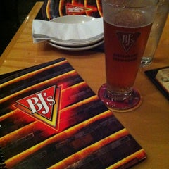 Photo taken at BJ's Restaurant and Brewhouse by Cesar V. on 12/10/2012