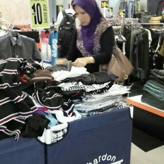 Photo taken at F.O.S by Ishak N. on 7/20/2014