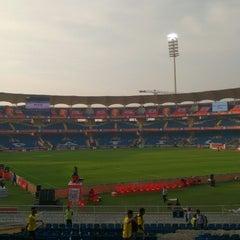 Photo taken at Dr. DY Patil Stadium (डा. डी. वाय. पाटील स्टेडीयम) by Jayottam D. on 12/20/2014