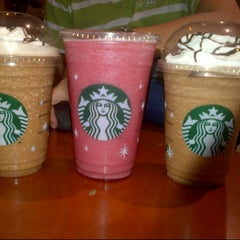 Photo taken at Starbucks Coffee by Nild'z G. on 11/24/2012