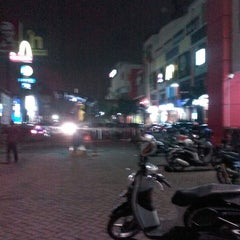 Photo taken at Grand Mal Bekasi by Ronald K. on 7/26/2014