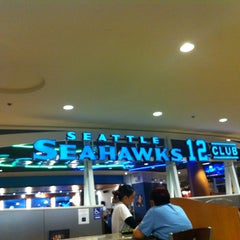 Photo taken at Seattle Seahawks 12 Club by An 🍳 on 12/28/2012