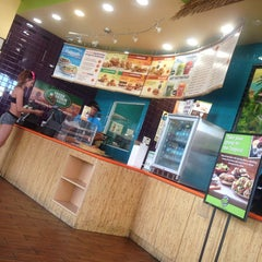 Photo taken at Tropical Smoothie Café by Harley💞 on 4/30/2014