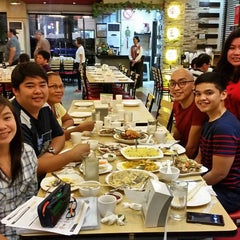 Photo taken at King Bee Chinese Restaurant by Carlo Miguel P. on 8/29/2015