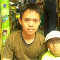 Photo taken at Golo Toko Diskon by Agung R. on 5/11/2013