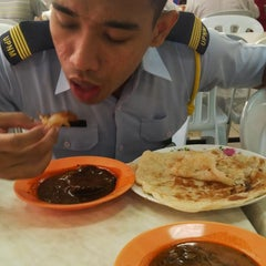 Photo taken at Restoran Hanifa by Farid J. on 9/10/2014