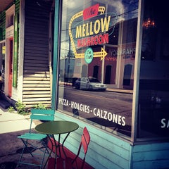 Photo taken at Mellow Mushroom by Jamie G. on 8/21/2014