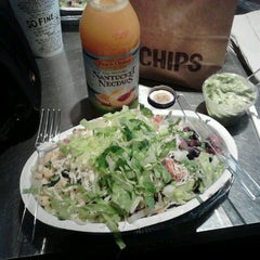 Photo taken at Chipotle Mexican Grill by Rafael S. on 12/16/2012